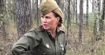 Поклонников возмутил вид Анны Семенович на проекте ко Дню Победы (фото)