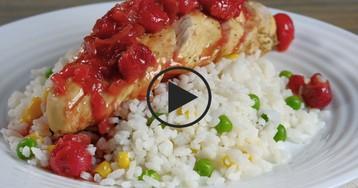 Куриное филе с вишневым соусом: видео-рецепт