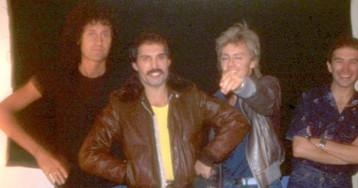Гитарист Queen Брайан Мэй опубликовал неизвестные фотографии Фредди Меркьюри и группы