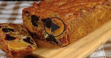 Полезный кекс из сухофруктов: видео-рецепт