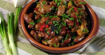 Куриные сердечки с грибами в соевом соусе: видео-рецепт