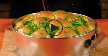 Пампушки с чесноком к супу: видео-рецепт
