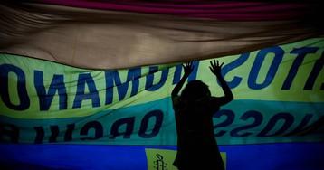 Parada Gay reúne multidão em São Paulo contra preconceito e por estado laico