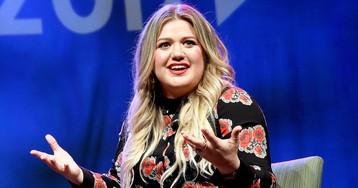 Kelly Clarkson Shuts Down Body Shamer on Twitter and Fans Are LovingIt