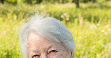 Бабушка втиснулась вполный автобус, нозаконы физики никто неотменял…
