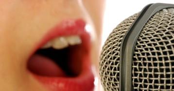Подруга занимается вокалом смолодым учителем, амуж ревнует…