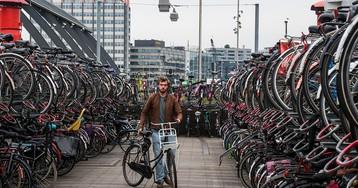 Голландия: вокзалы, поезда и самая большая велопарковка в мире