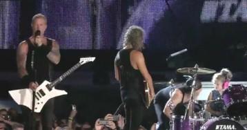 Garotinha sobe ao palco e toca bateria junto com Metallica no meio de show