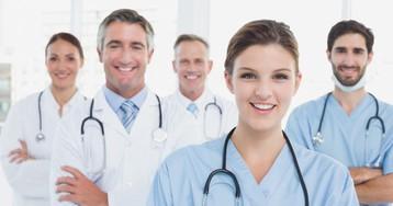 Внашей поликлинике работает доктор с очень забавной фамилией…