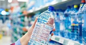 Хотел купить воду за18рублей, акассирша покосилась наменя испрашивает…