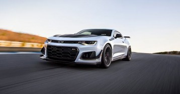 Chevrolet eyes cheaper V8 Camaro to compete with Mustang and Challenger
