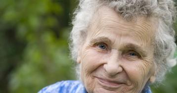 Как одна бабуля помогала кандидату вдепутаты— листовки расклеивала