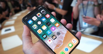 iPhone X hands-on : Apple's OLED flagship up close