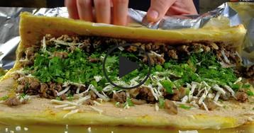 Картофельный рулет с мясом: видео-рецепт