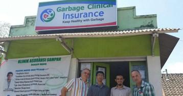 Медицина для бедных: индонезийцы платят за здоровье мусором
