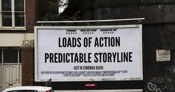 Британец безжалостно издевается над киноафишами, дорожными знаками и рекламой