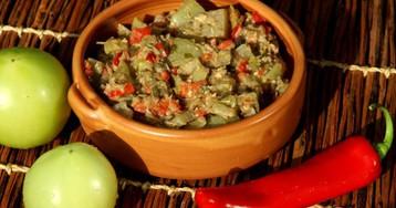Грузинский салат из зеленых помидоров