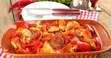 Запеченное овощное рагу с картофелем, помидорами и болгарским перцем