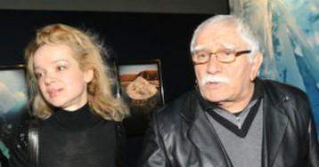 Армен Джигарханян подал на развод с молодой женой