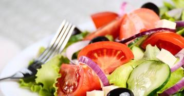 Пикантный греческий салат