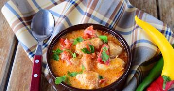 Аппетитное куриное филе в сливках с перцем