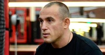 Олейник досрочно проиграл Блэйдсу на турнире UFC 217