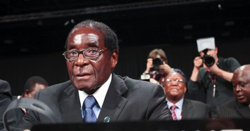 Mugabe Gets Youth Wing Backing After Military Criticism
