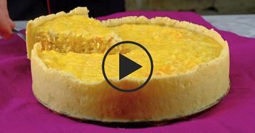 ВИДЕО-РЕЦЕПТ: Рыбный пирог c овощами и сметанной заливкой