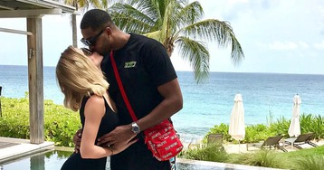 Khloé Kardashian is apparently going to announce her rumored pregnancy soon, finally