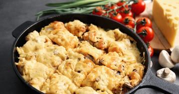 Запеченное мясо цыпленка под сыром