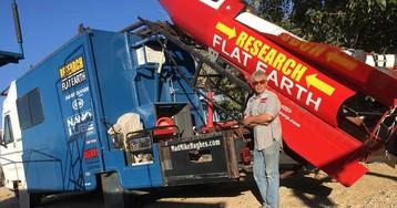 Americano que ia se lançar em foguete para provar que a Terra é plana cancela missão