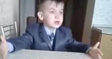 Пользователи соцсетей вступились за плачущего дагестанского школьника, который «башкой ломает знания»