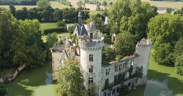 6,5 тысячи человек скинулись и купили замок во Франции