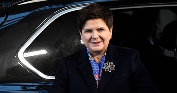 Polish Ruling Party Set to Switch Prime Ministers