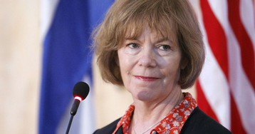 Minnesota Lieutenant Governor Tina Smith to Fill Franken's Senate Seat