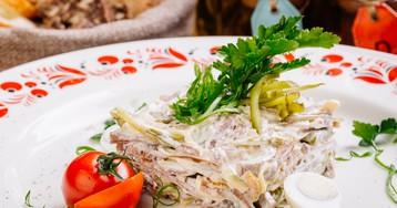 Салат с языком и солёными огурцами