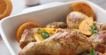 Курица с апельсинами и яблоками в рукаве