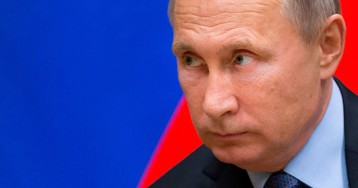 Putin Tries to Lure $1 Trillion Home as Sanctions Fear Grows