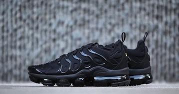 """Nike's Air VaporMax Plus Hybrid Appears in """"Triple Black"""""""