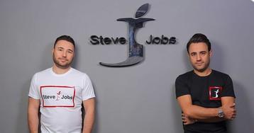 """Marca de roupas italiana chama-se Steve Jobs e tem um """"J"""" mordido, mas não há nada que a Apple possa fazer sobre isso"""