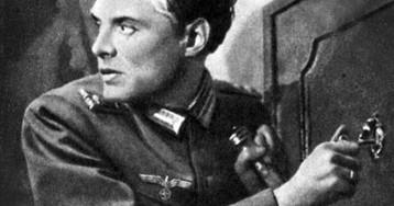 Как должен был поступить советский разведчик в случае разоблачения