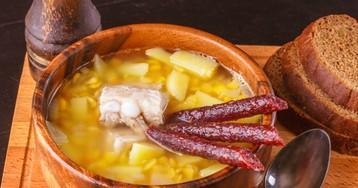 Гороховый суп со свиными ребрами и копченостями