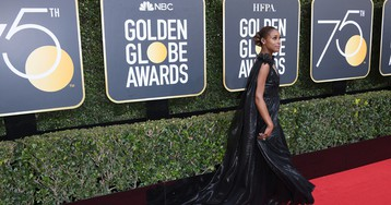 Giuliana Rancic Asked Issa Rae What She'd Title Her Memoir, Which Came Out in 2015