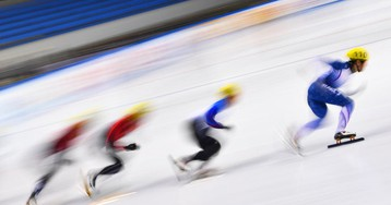 Женская сборная России взяла золото в эстафете, у мужчин – серебро
