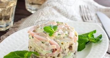 Салат с грибами, ветчиной и свежим огурцом