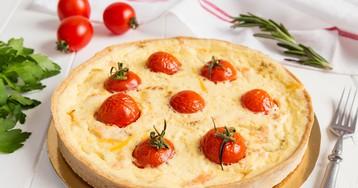 Заливной пирог с картофелем, кабачками и помидорами
