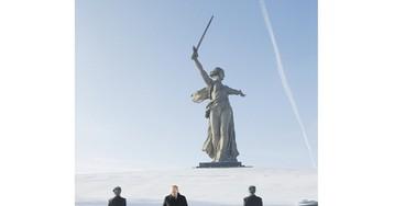"""По пути с Мамаева кургана Путин увидел """"живые картины"""" у дороги"""
