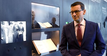 YouTube Apologizes for Translation Error in Polish Leader's Video About Holocaust Bill