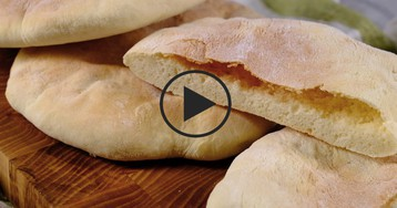 Видео-рецепт: Пита классическая с кармашком