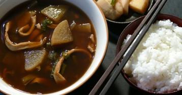 Олимпиада навеяла: корейский суп из кальмаров